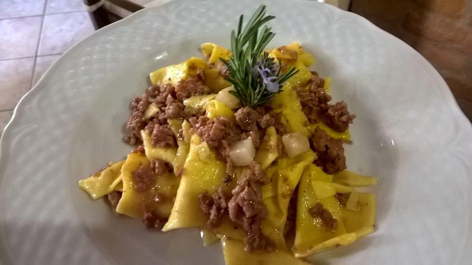 piatto tipico umbro ristorante